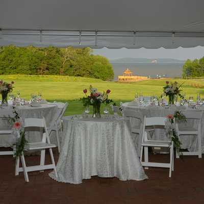 Tables with Elegant White Table Cloths